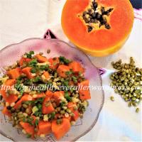 Papaya salad with bean sprouts