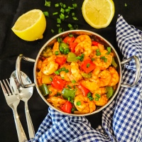 5-ingredient garlic prawns with bell peppers